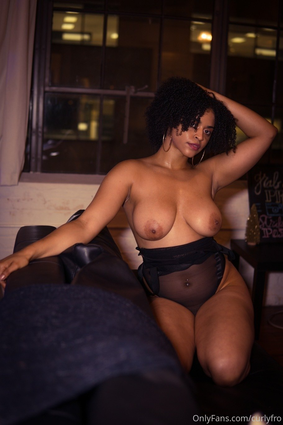 Curlyfro Nude Onlyfans Gallery Leaked